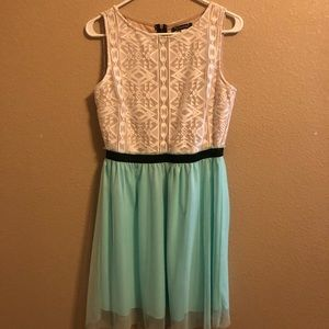 Turquoise and cream colors casual dress